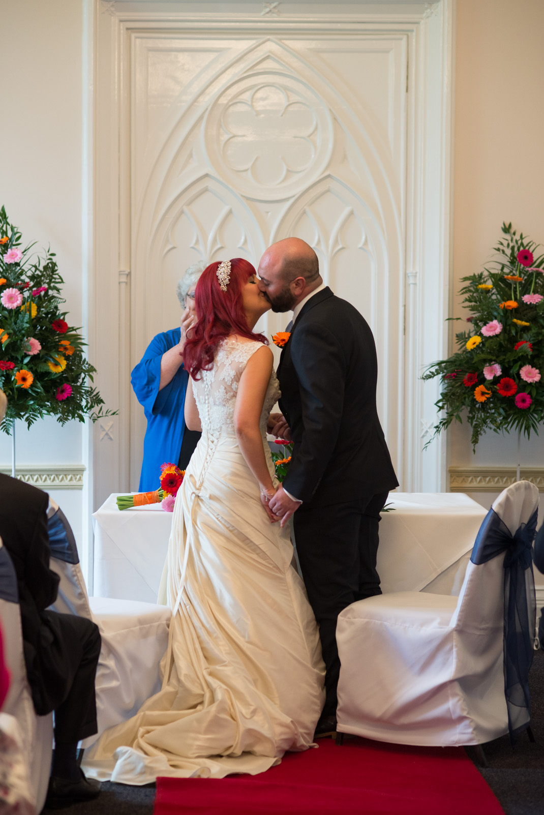 Marwell House, Zoo, kiss, altar, wedding ceremony
