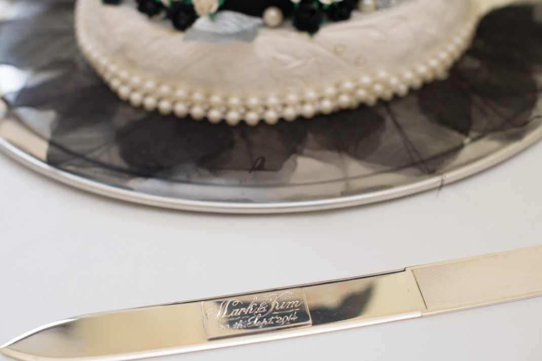 engraved, cake, knife, pearls, cheesecake