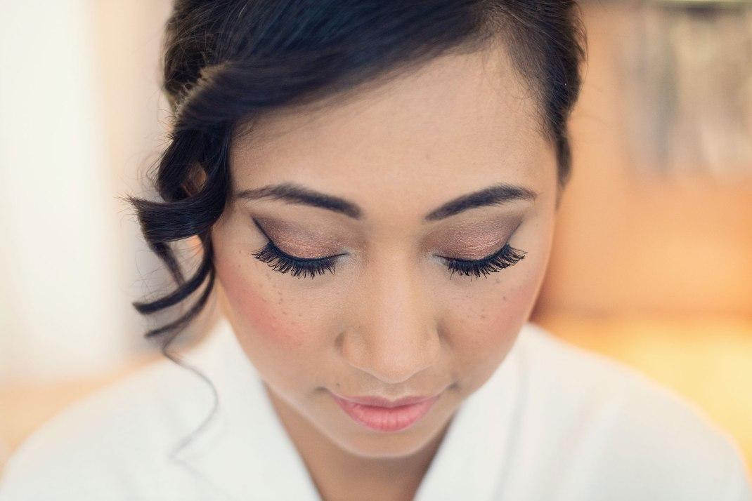 bride, close up, eyelashes, bridal prep, London Wedding Photographer