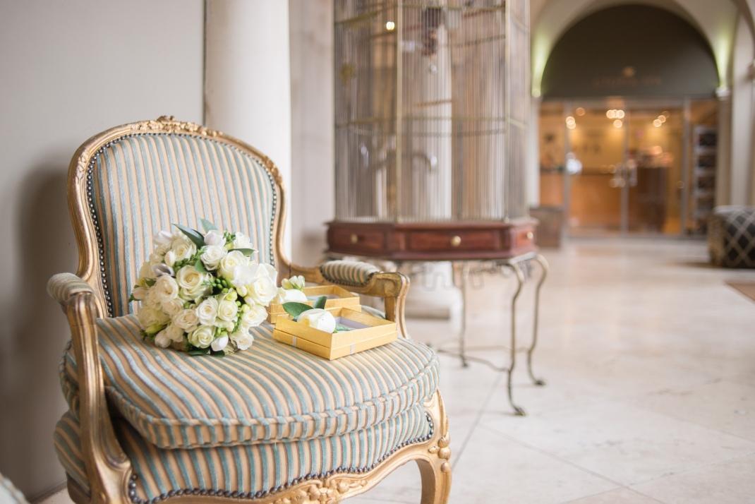 flowers, bride, birdcage, corridor, bridal bouquet, roses